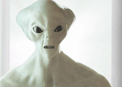 """Ladbrokes """"Alieno"""" 15″"""